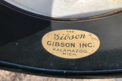 F440-6_gibson_banjo_mb-11_the_gibson_label