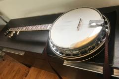 240-10_gibson_mastertone_banjo_mb-3_rb_angled