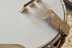 9775-10_gibson_banjo_rb-1_tailpiece