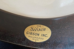 9775-10_gibson_banjo_rb-1_the_gibson_decal_in_rim