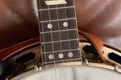 9775-10_gibson_banjo_rb-1_upper_frets_angled