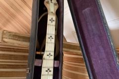 EG-6525_gibson_banjo_rb-11_neck_in_521_case