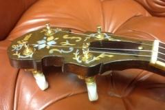 8690-1_gibson_mastertone_banjo_rb-granada_peghead