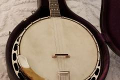 1019-15_gibson_banjo_tb-1_in_case