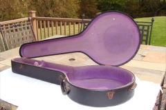 tb-11_nibert_gibson_banjo_case_b