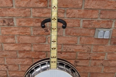 tb-11_nibert_gibson_banjo_front