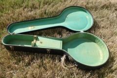 1057-16_gibson_banjo_tb-150_case_open