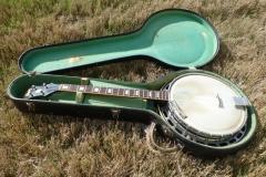 1057-16_gibson_banjo_tb-150_in_case