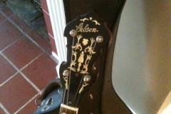 1012-5_gibson_mastertone_banjo_tb-3_peghead_and_lower_frets