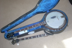 1034-3_gibson_mastertone_banjo_in_case_both_necks