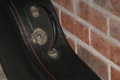 9903-16_gibson_mastertone_banjo_tb-3_521_case_latch