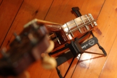 9903-41_gibson_mastertone_banjo_tb-3_in_stand