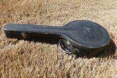 9926-28_gibson_mastertone_banjo_tb-3_case_closed