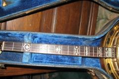 0404-1_gibson_mastertone_banjo_tb-5_neck_in_case