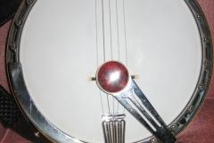 390-13_gibson_mastertone_banjo_tb-7_with_mute