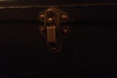 9115-7_gibson_mastertone_banjo_tb-granada_509_case_latch