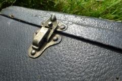 9152-26_gibson_mastertone_banjo_tb-granada_case_latch