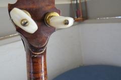 9470-1_gibson_mastertone_banjo_tb-granada_handstop