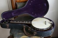F380-19_gibson_banjo_ub-4_in_case