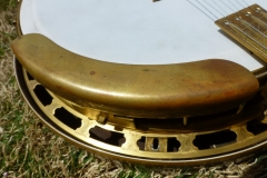 8444-3_gibson_mastertone_banjo_tb-5_armrest